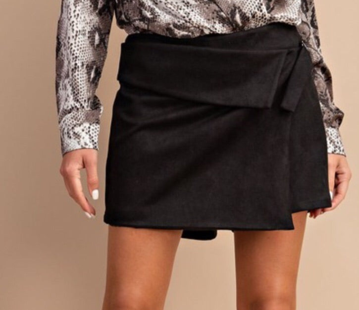Jealous Too Skort in Black