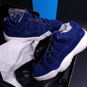 Air Jordan 11 Retro Low ' RE2PECT ' deadstock brand new sneaker mens 10.5