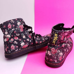 Dr. Martens 1460 Hightop Canvas Boot Wmns sz 7 US / UK sz 5