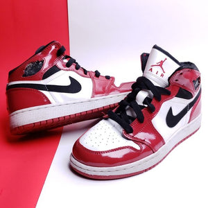 RARE Air Jordan 1 Retro 'Chicago' 2003 Patent Leather Sneaker Size  5y