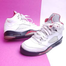 Load image into Gallery viewer, Air Jordan 5 Retro GS 'Fire Red' 2013 Size 6(Y)