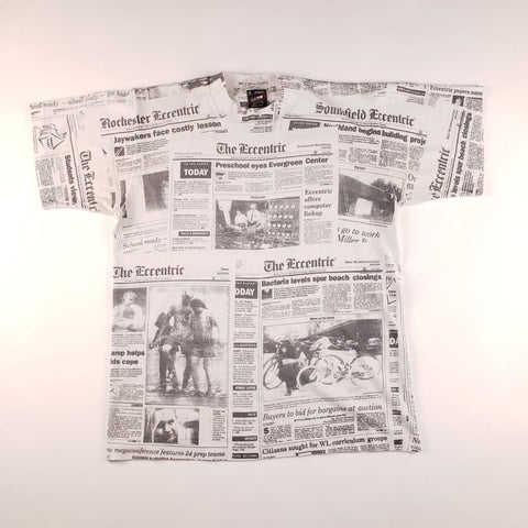 Vintage 90s Made in USA Fruit of the Loom The Eccentric Newspaper All Over Graphic White T-Shirt Mens sz M