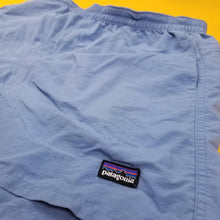 Load image into Gallery viewer, Vintage Patagonia windbreaker shorts! Size Mens XL