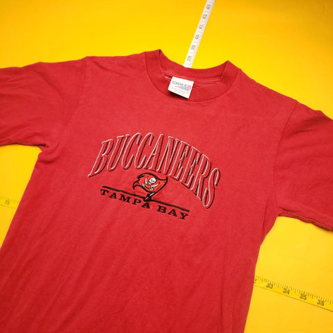 Vintage 90s Made in USA Chalk Line Tampa Bay Bucaneers Red T-Shirt Youth sz XL