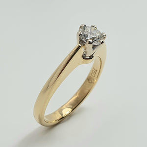 18ct Yellow Gold Raised Shank Solitaire Diamond Ring