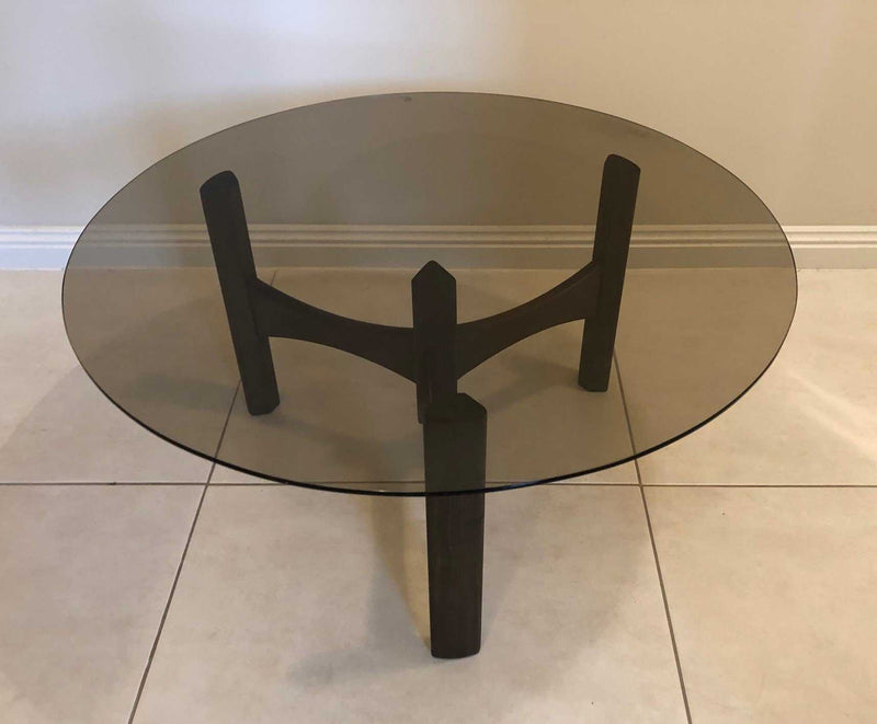 TH Brown Propellor Table