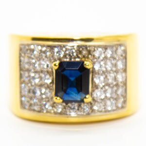 18ct Yellow Gold Sapphire & Grain Set Diamond Ring