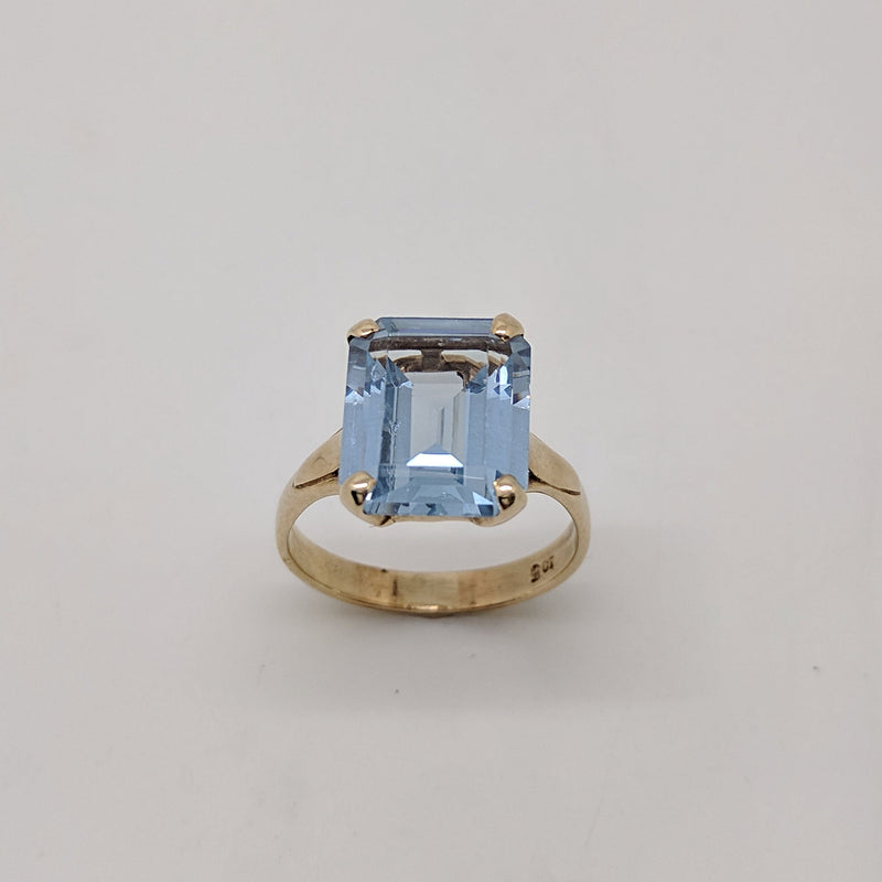 9ct Yellow Gold Emerald Cut Topaz | AGD