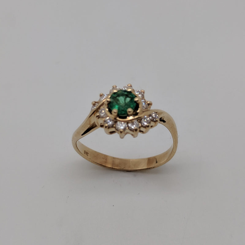 9ct Yellow Gold Decorative Emerald & Diamond Ring