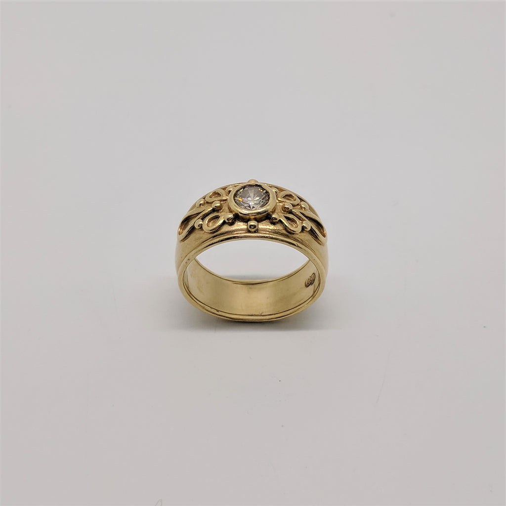 18ct Yellow Gold Diamond Solitaire Filigree Ring