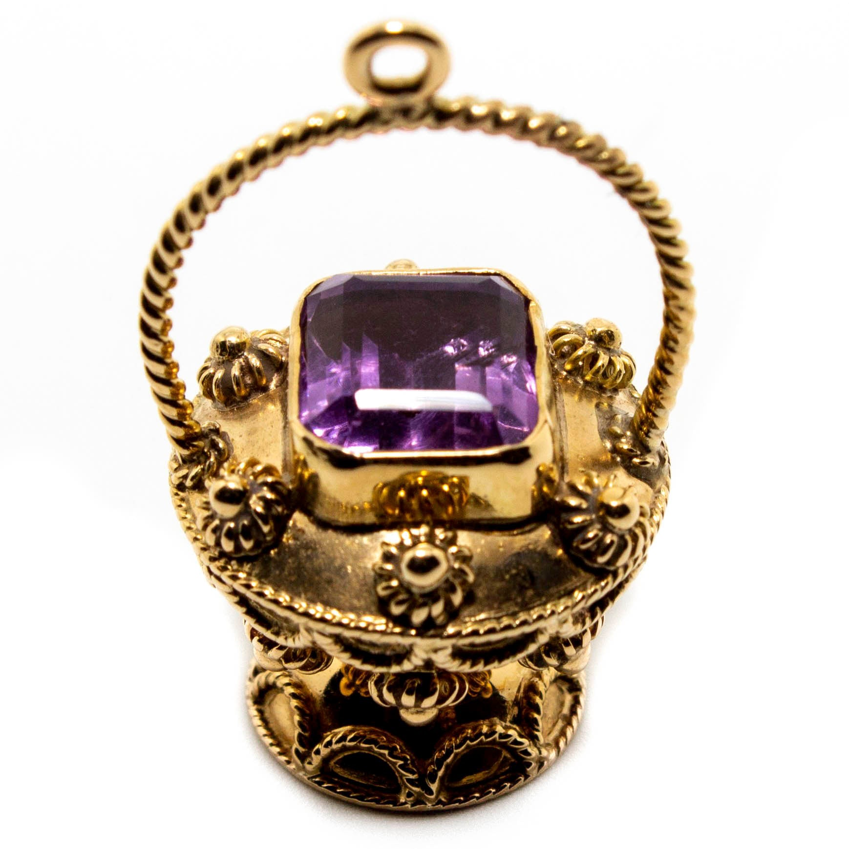 15ct Yellow Gold Amethyst Urn Pendant