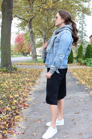 Ty Lace dress with layers and sneakers