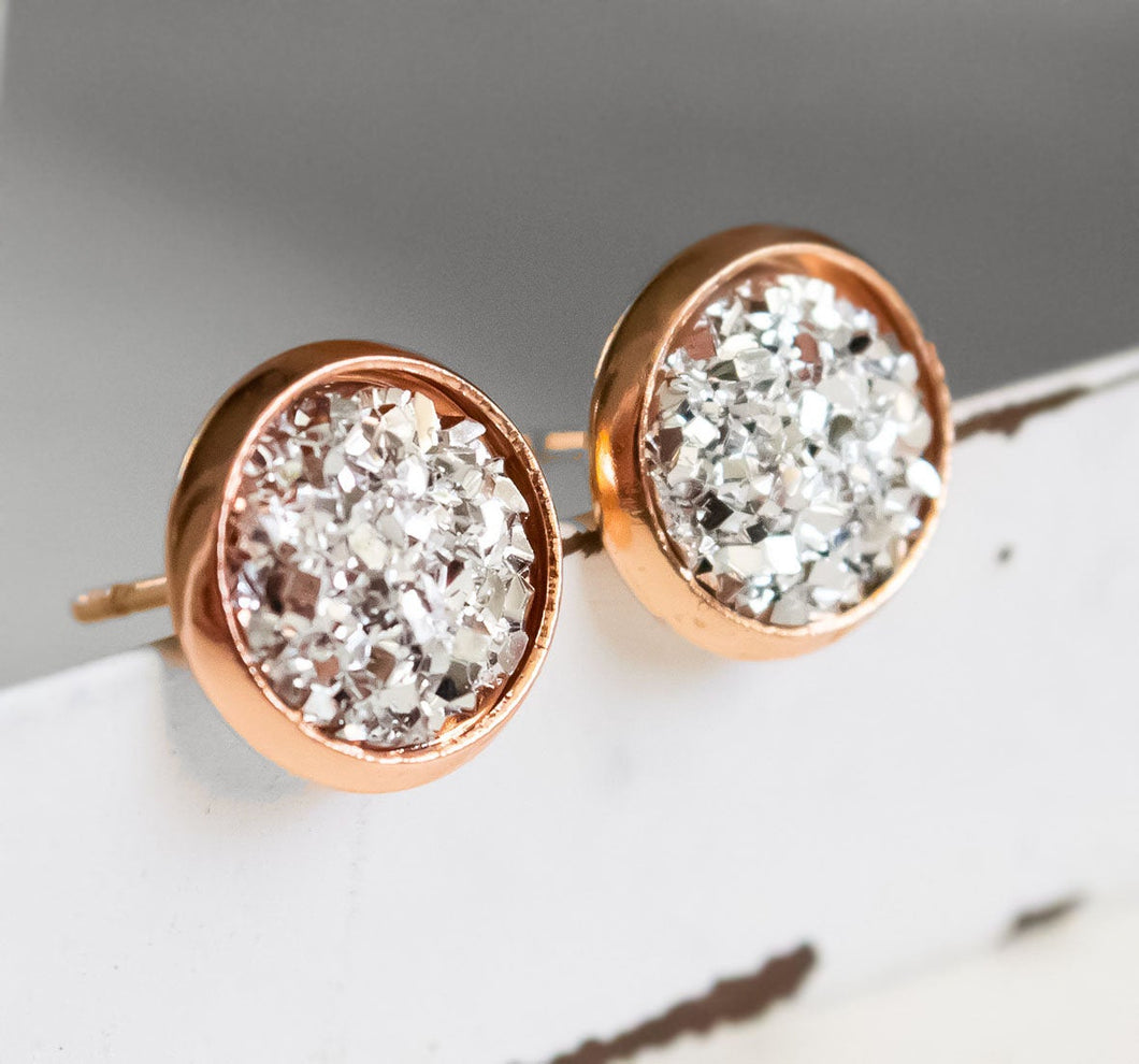 Rose goldfarbene Ohrstecker -