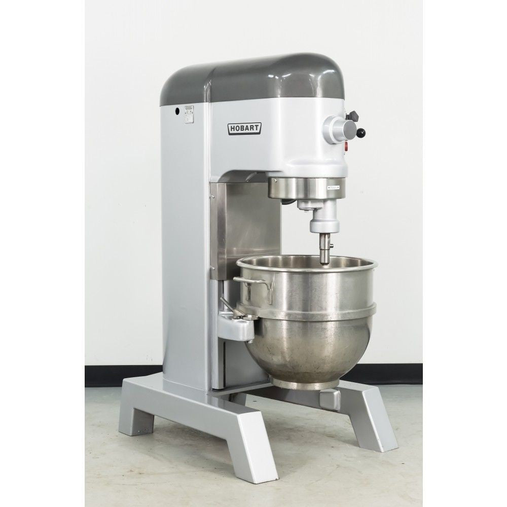 Floor mounted heavy mixer