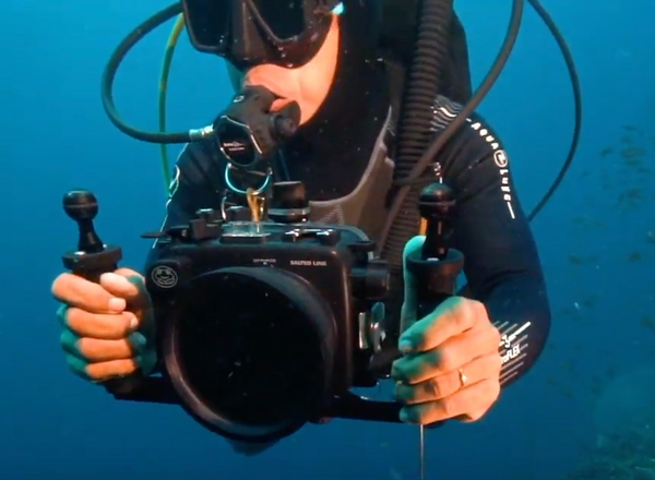 demo video Salted Line underwater housing with dome port and double handle tray
