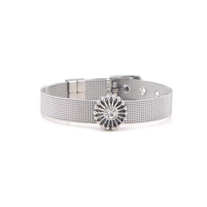 Glamorous mesh bracelet with a fancy style flower charm