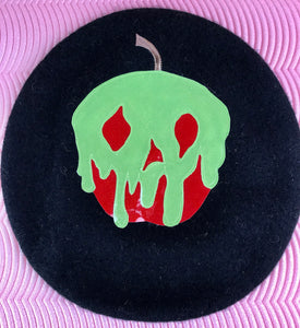 Beret Poisoned Apple
