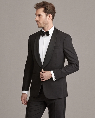 Shaul collared tuxedos have made a nice comeback