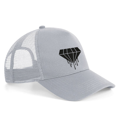 The microknit snapback trucker combines a sports-luxe microknit fabric with a relaxed urban aesthetic for widespread appeal. The size adjustable snapback gives a nod to the classic trucker silhouette whilst providing a comfortable fit. Featuring the classic diamond logo.   Fabric 96% Polyester, 4% Elastane Weight 66g Size One size