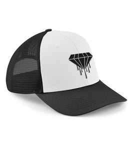 The 6-panel snapback trucker features a semi-curved peak and a 6-panel design, reworked heritage styling makes this vintage-meets-modern trucker the ultimate all season cap. Black and white with the Bloody Luxury diamond logo.  Fabric 100% Cotton front panel and peak. 100% Polyester mesh rear panels  Weight 66g Size One size