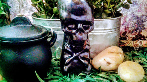 Black Skeleton Head Figure Candle