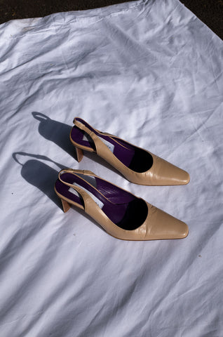 1990s tan leather Italian pointed toe slingback heels by Human Sea Vintage