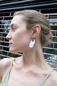 SHELL WING SHAPE EARRINGS