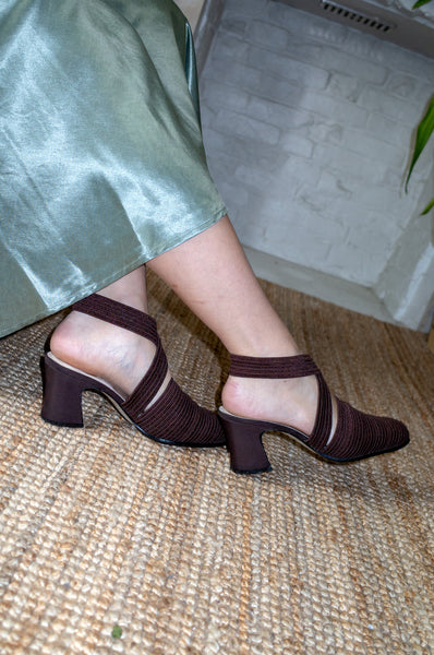 CHOCOLATE RIBBED FABRIC HEELS (40)