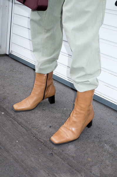 Vintage 1990s tan ankle boots with square toe and block heel