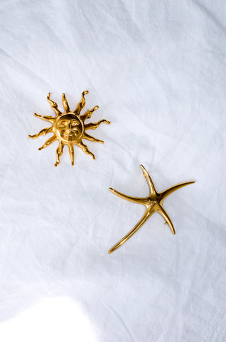 Pair of vintage 1980s gold-tone brooches