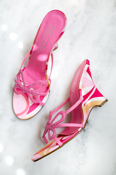 A stunning pair of vintage Y2K Pucci-esque pink mules