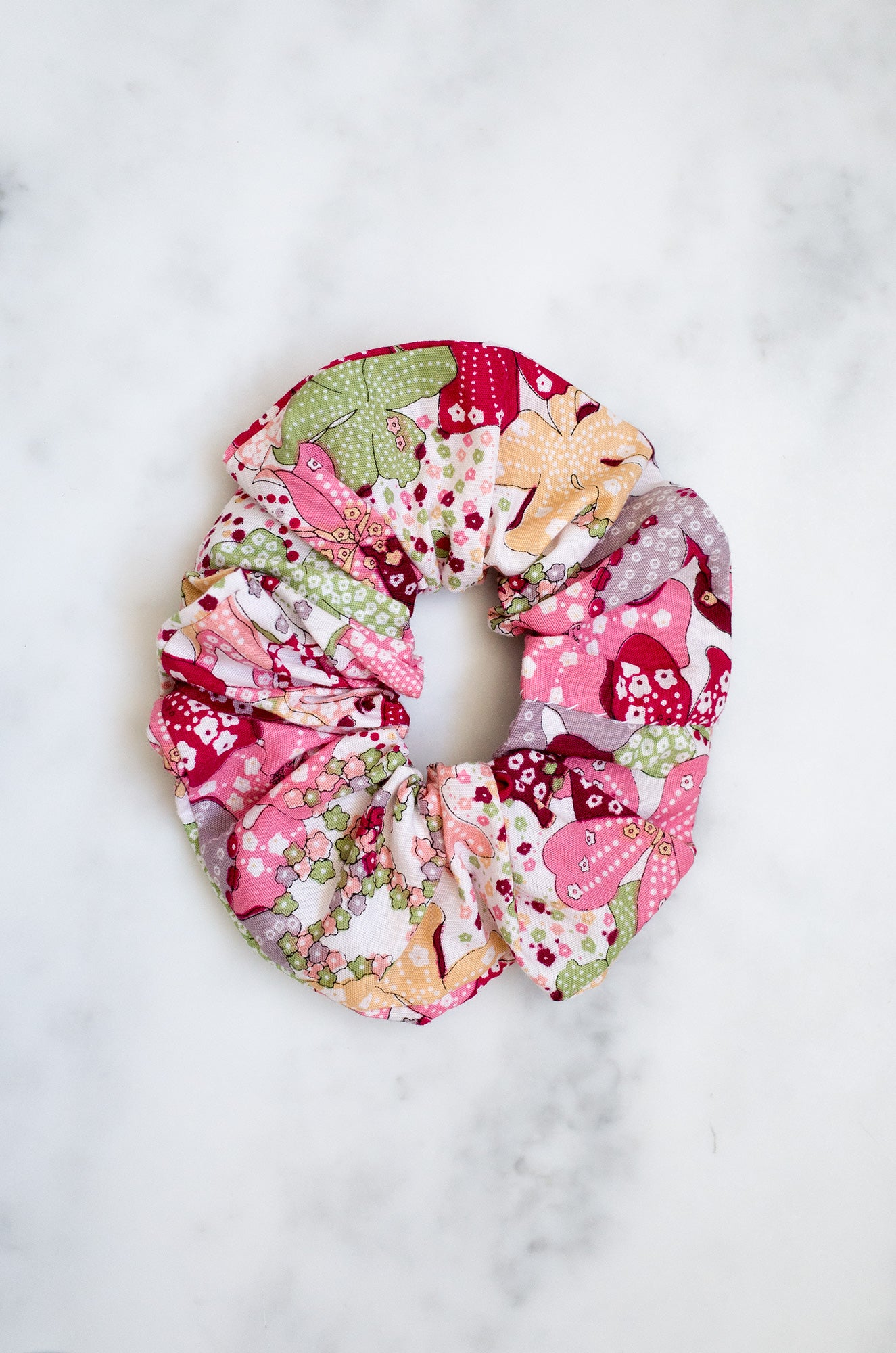 Large elasticated upcycled vintage cotton scrunchie (pink)