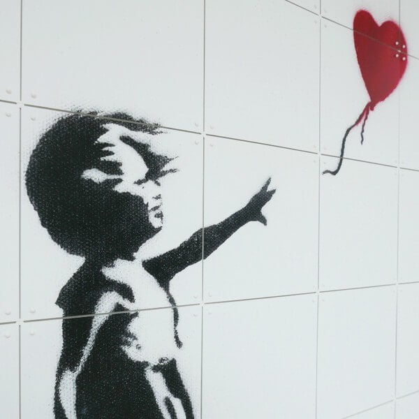 IXXI - Mural Girl with balloon