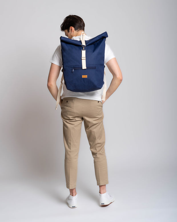MULINU | Rucksack Messenger Backpack CLASSIC ALBERT M | Blue Halfside Model