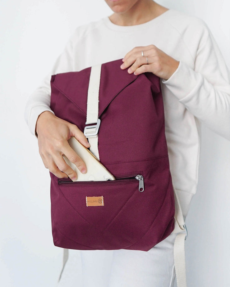 MULINU Daypack BERTA Bordeaux Model Backpack Front Tasche