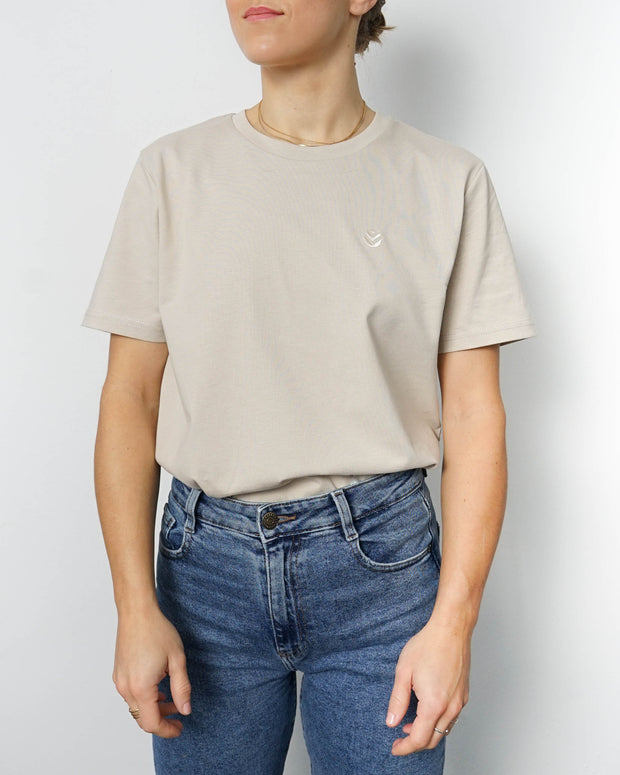 Basic Unisex T-shirt Embroidery Sand