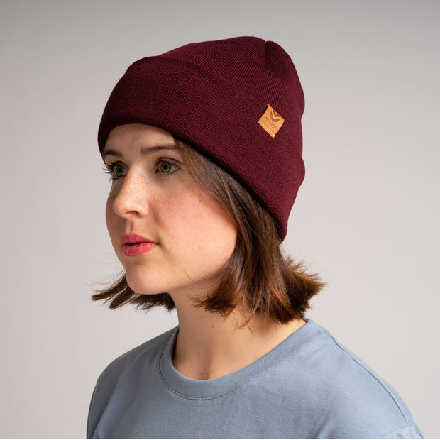 MULINU | Backpacks, Rucksack, Bags for the Explorers | Unisex Beanie, Hat Mütze TÜNN Bordeaux Damen Seite