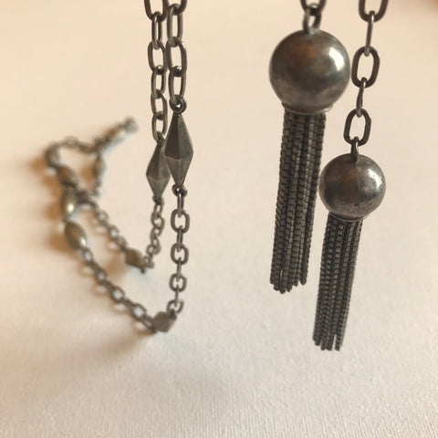 Fully hallmarked sterling silver adjustable vintage lariat necklace with foxtail tassels and geometric silver 'beads'