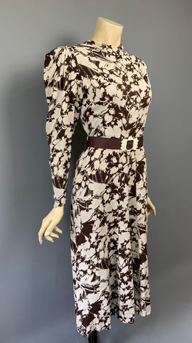 vintage 1930s brown and cream Art Deco day dress with strong shoulders
