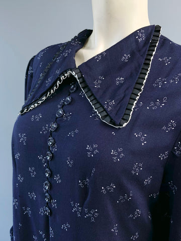 RESERVED- Vintage 1940s style navy and white printed day dress - maternity ? or adjust belt!