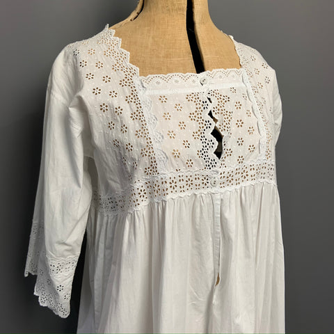 Antique 1900s white cotton nightdress in excellent condition
