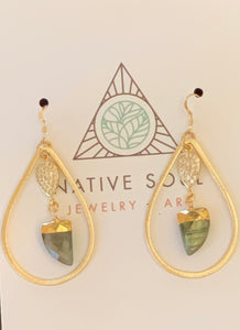 Agate and gold tear drop hoops