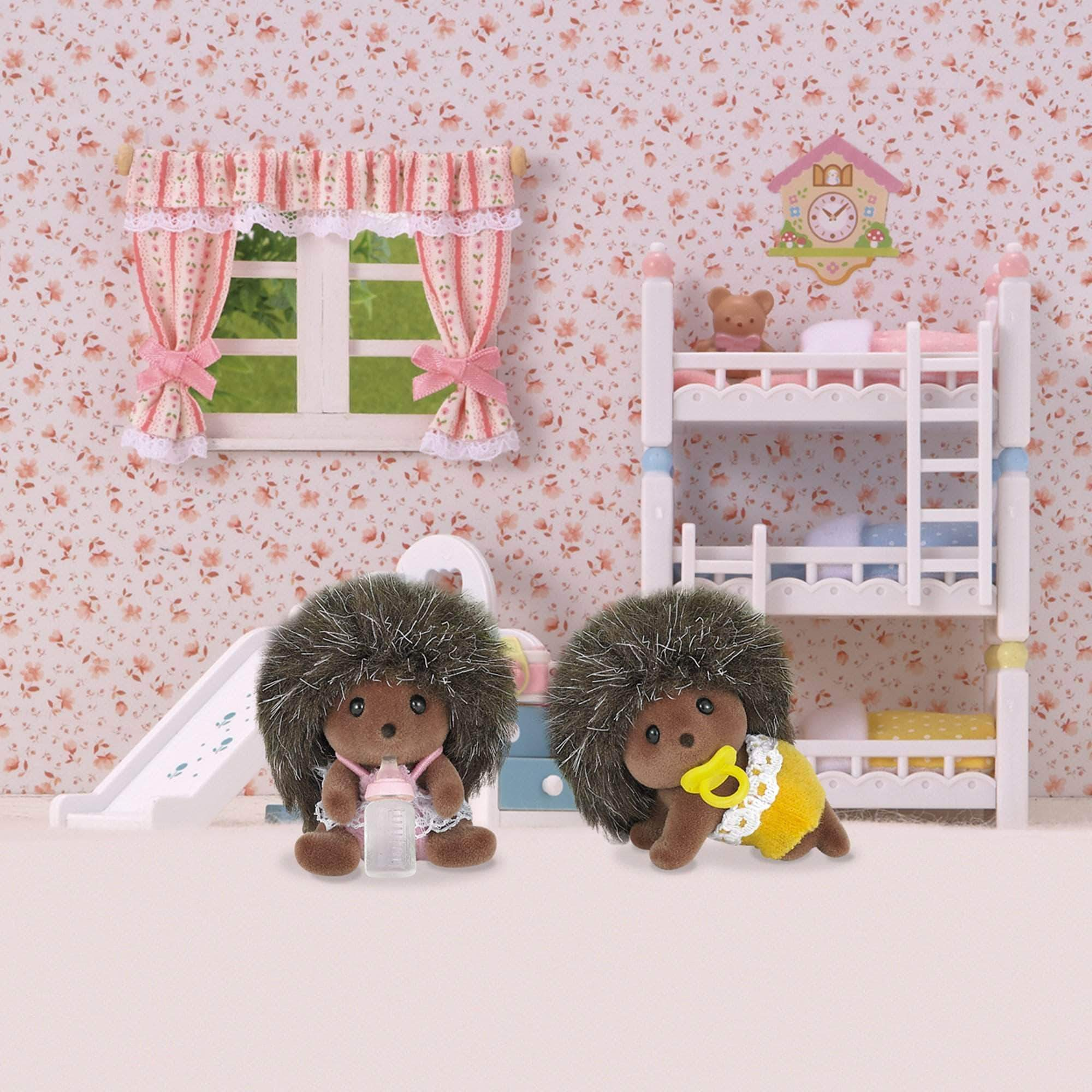 Amazon SYLVANIAN FAMILIES- Hedgehog Twins Mini Muñecas Y Accesorios, Multicolor (Epoch para Imaginar 5218)
