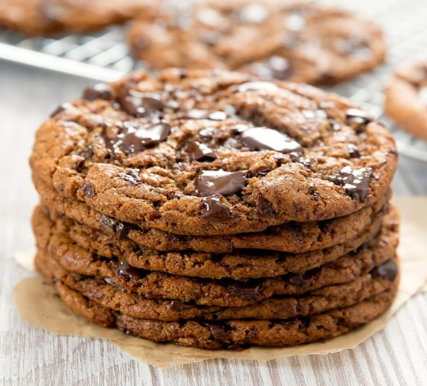 PALEO CHOCOLATE CHIP COOKIES BY KIRBIE