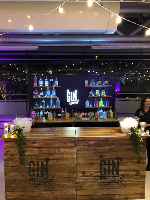 Bars2You Bespoke Bars for The Gin to My Tonic Christmas Festival