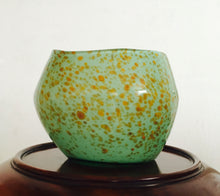 Load image into Gallery viewer, Murano, art glass, hand blown, Murano Vase, sculptured vase.