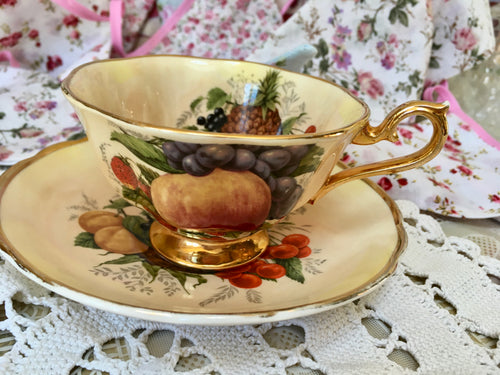 Spode, Royal Worcester, Tea Cup and Saucer. Marquis fine china, .22 carat gold
