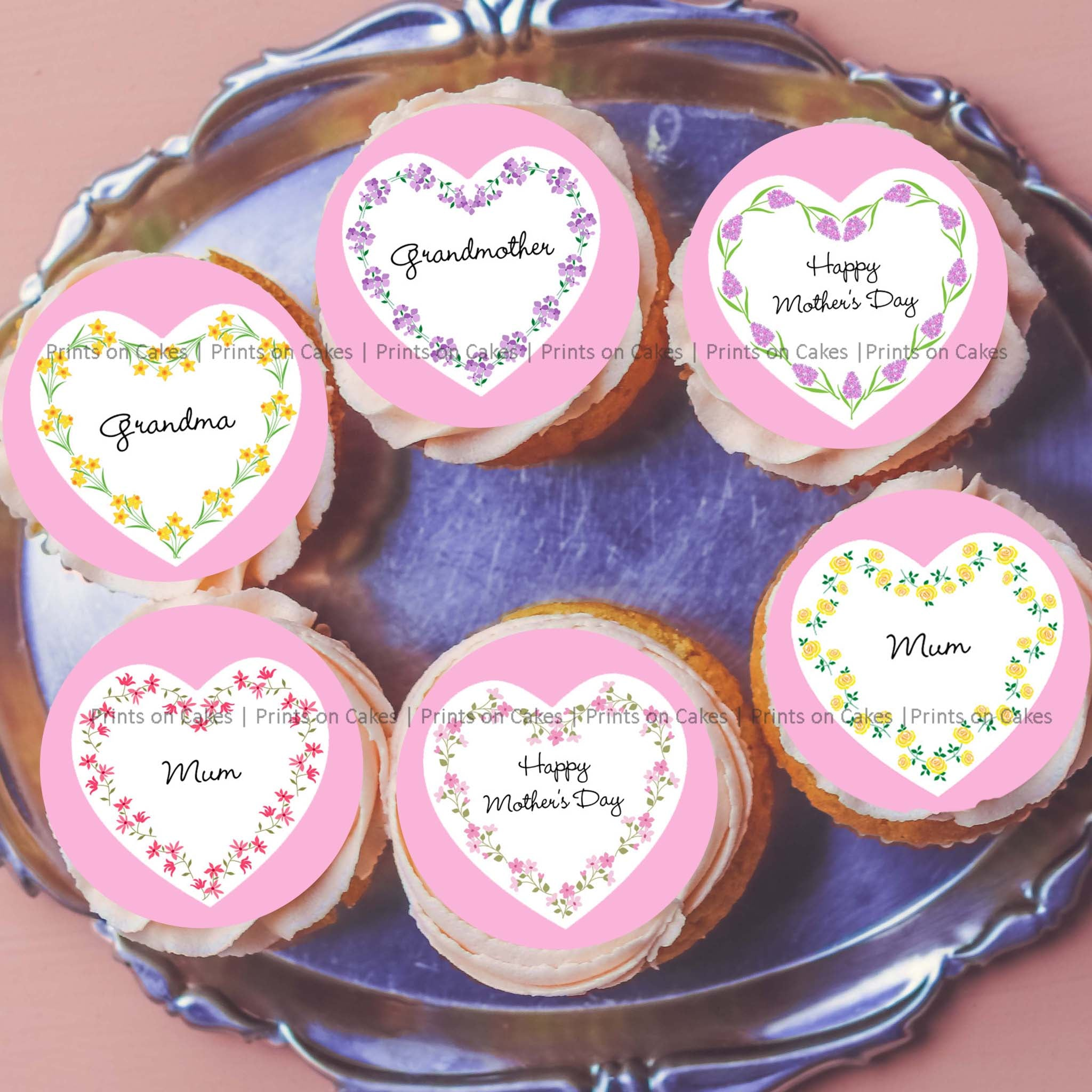"Every Mum or Grandmother would be happy to receive sweet treats decorated with these adorable icing images with heart-shaped floral frames.   15 pre-cut circles with a diameter of 5 cm (2"") each.   Perfect for Cupcakes, Cookies and Biscuits."