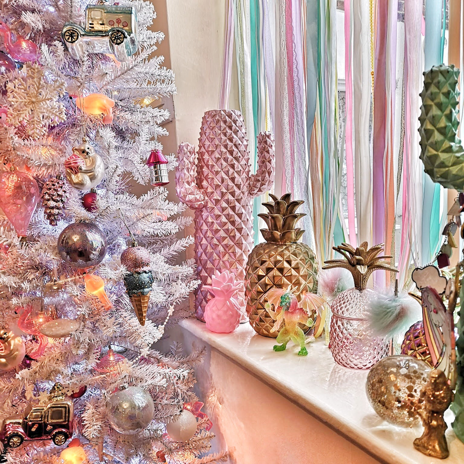 Licclefreak Loves Christmas tree. Pink Christmas. Pastel Christmas.