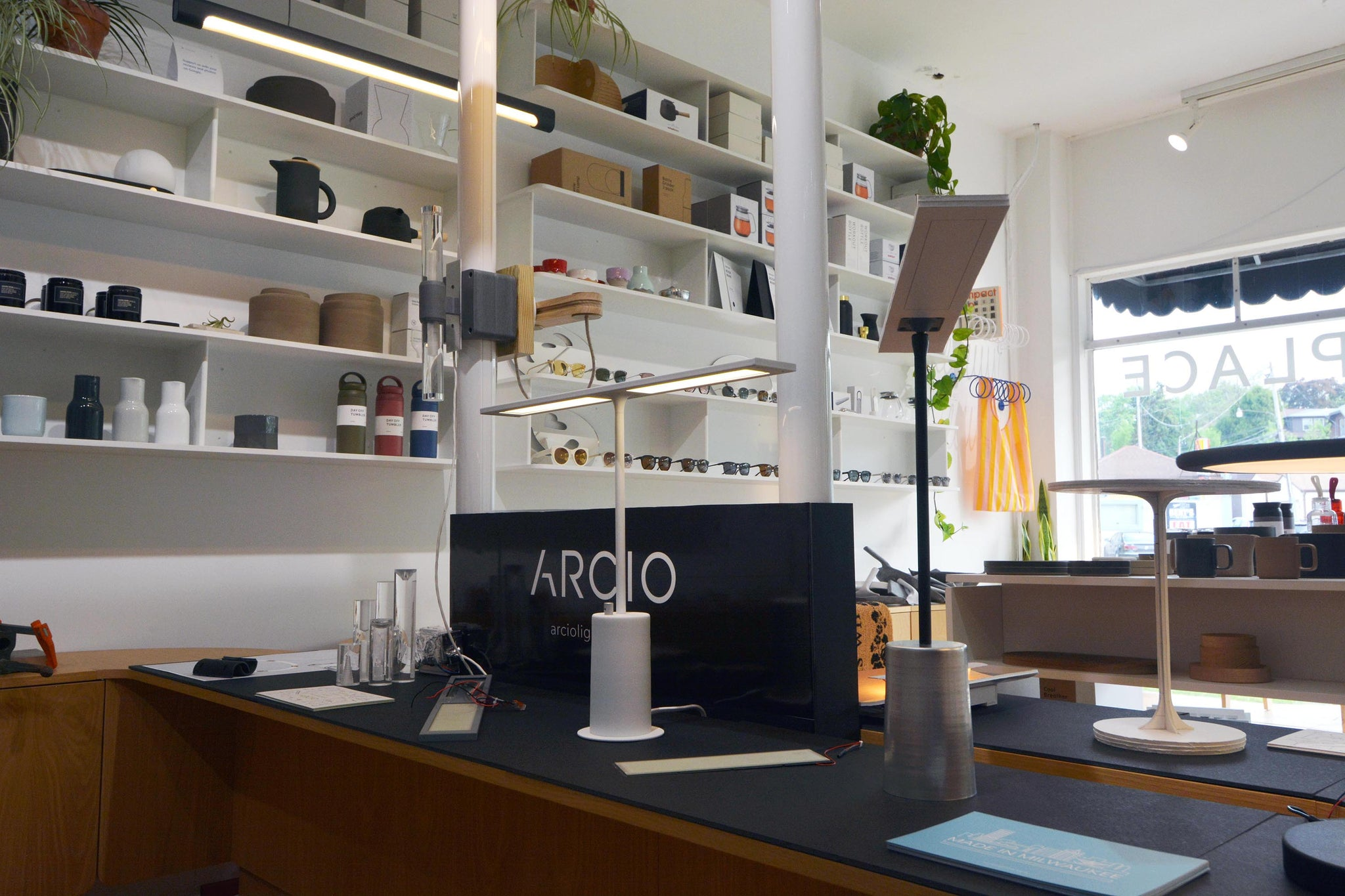 OLED table lamp Ira by arcio lighting